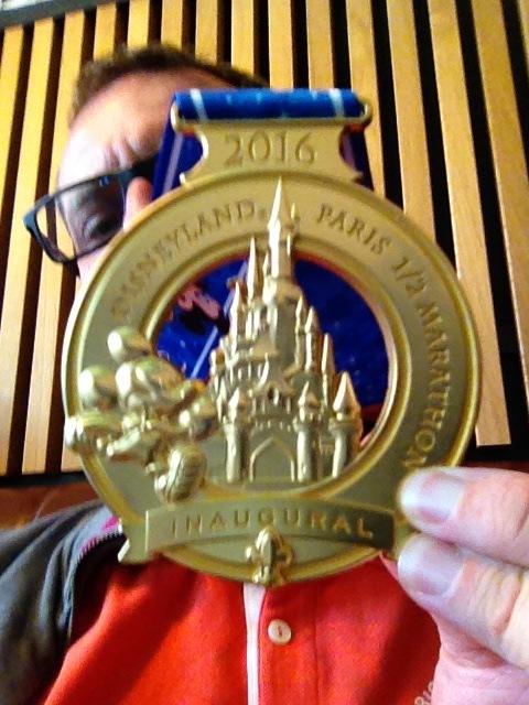 Médaille du semi marathon de Disneyland Paris