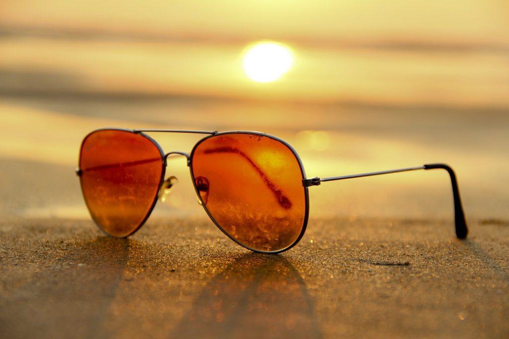Comment courir en été - Portez des lunettes de soleil